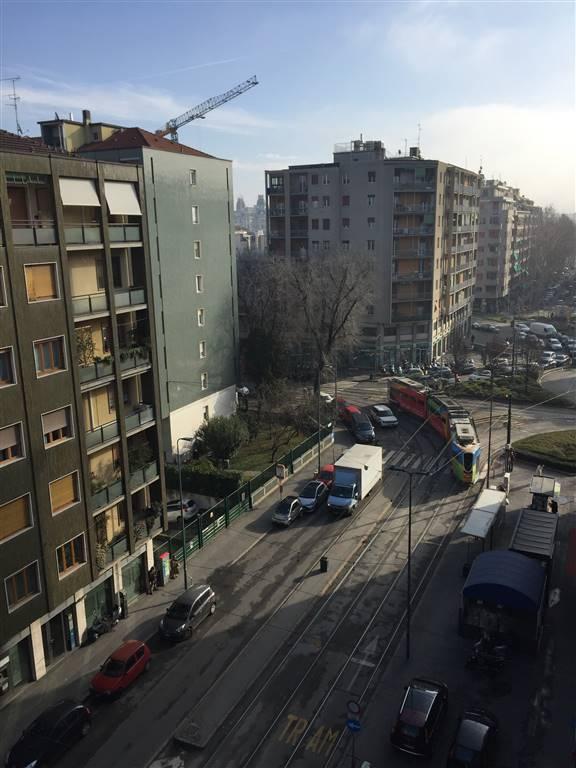 Appartamento in Affitto a Milano 17 Marghera / Wagner / Fiera: 3 locali, 110 mq