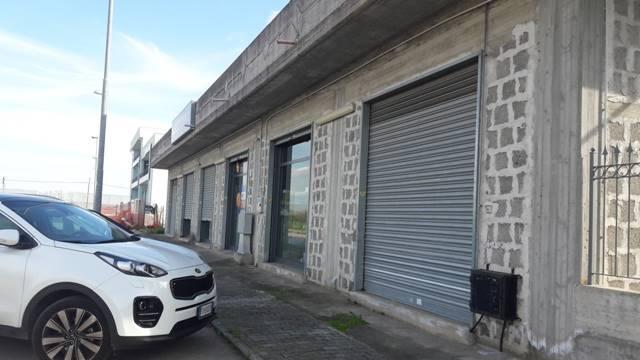 Negozio / Locale in affitto a Bellizzi, 9999 locali, prezzo € 2.000 | Cambio Casa.it