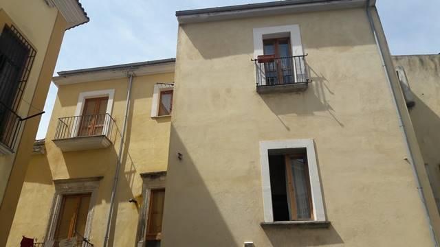 Appartamento in vendita a Eboli, 2 locali, prezzo € 65.000 | CambioCasa.it
