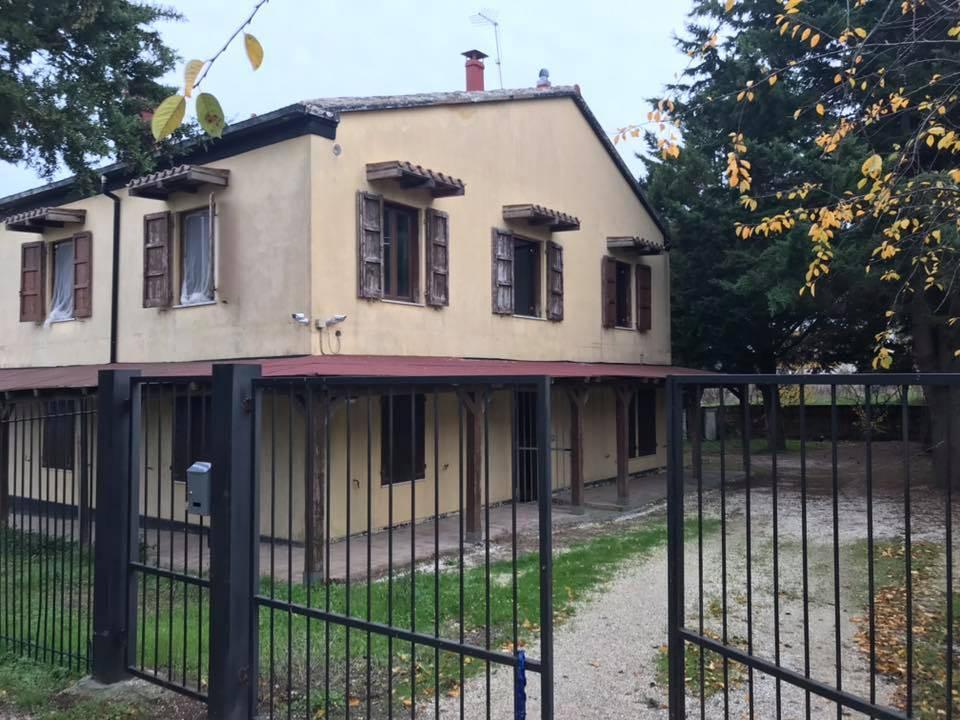 Appartamento Via Fratelli Farina  a Recanati