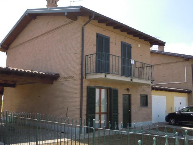 Villa Bifamiliare in vendita a Barbianello, 4 locali, prezzo € 190.000 | Cambio Casa.it