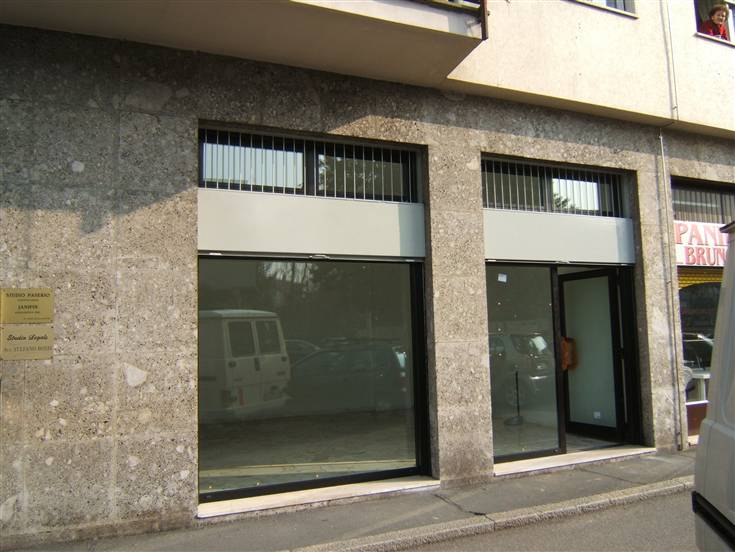Negozio / Locale in vendita a Gallarate, 2 locali, zona Zona: Ronchi, prezzo € 79.000 | Cambio Casa.it