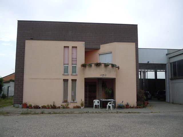Soluzione Indipendente in vendita a Retorbido, 7 locali, prezzo € 450.000 | Cambio Casa.it