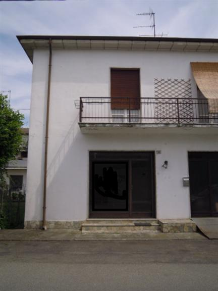 Negozio / Locale in affitto a Santa Giuletta, 2 locali, prezzo € 320 | Cambio Casa.it