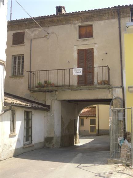 Soluzione Semindipendente in vendita a Casteggio, 4 locali, prezzo € 35.000   Cambio Casa.it