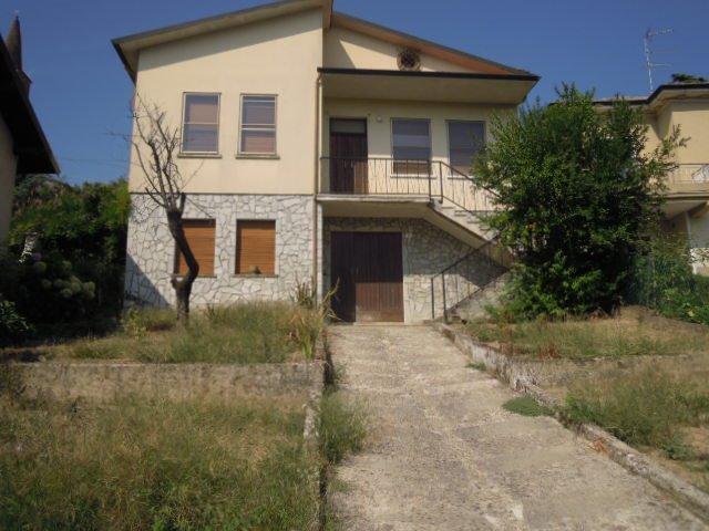 Soluzione Indipendente in vendita a Casteggio, 4 locali, prezzo € 138.000 | Cambio Casa.it