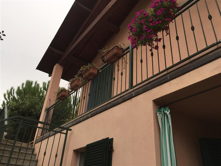 Villa in vendita a Borgo Priolo, 6 locali, zona Zona: Olesi, prezzo € 260.000 | CambioCasa.it