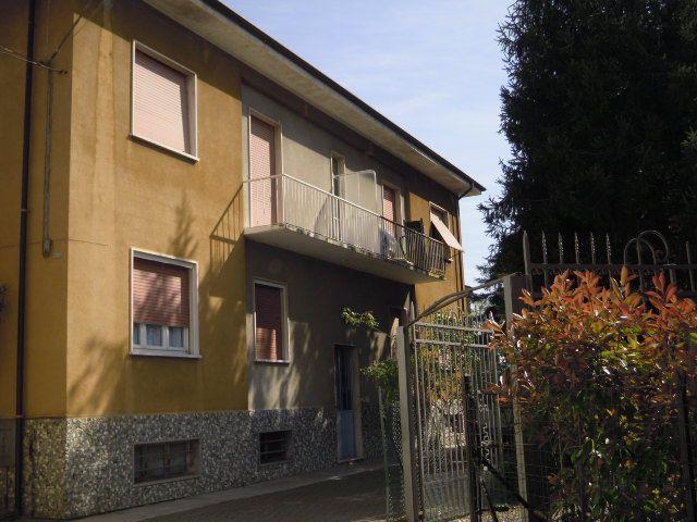 Appartamento in vendita a Casteggio, 3 locali, prezzo € 55.000 | Cambio Casa.it
