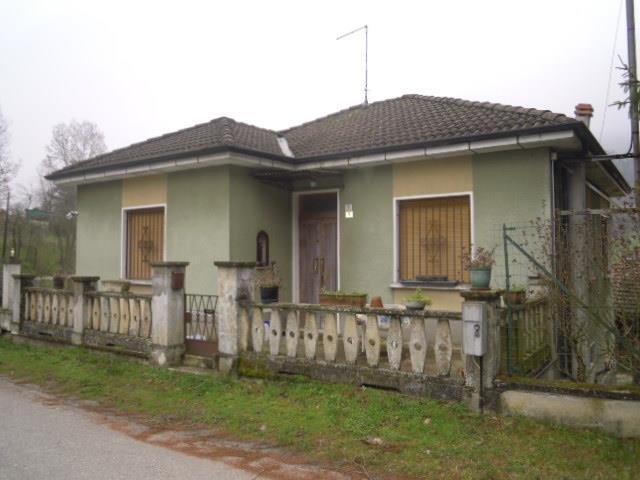Soluzione Indipendente in vendita a Borgo Priolo, 4 locali, prezzo € 128.000 | Cambio Casa.it