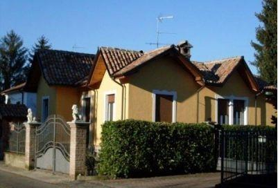Villa in vendita a Corvino San Quirico, 4 locali, prezzo € 175.000 | CambioCasa.it