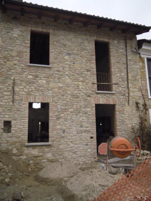 Soluzione Semindipendente in vendita a Borgo Priolo, 3 locali, prezzo € 40.000 | CambioCasa.it