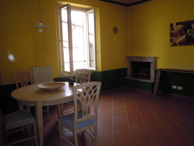 Appartamento in Vendita a Castana