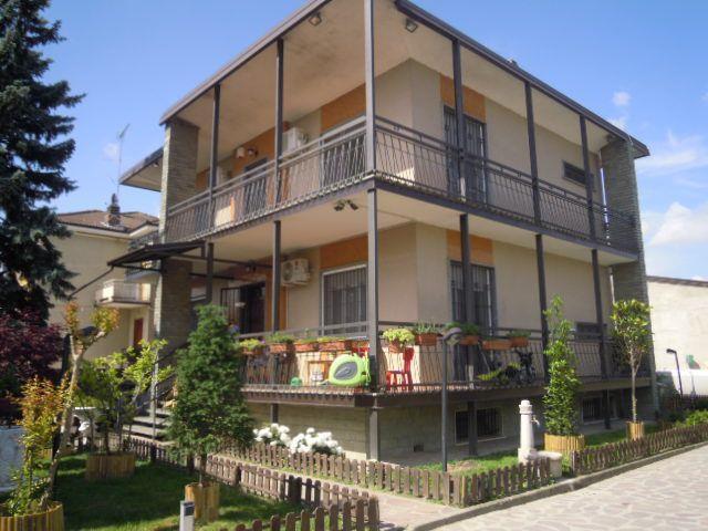 Villa in vendita a Lungavilla, 6 locali, prezzo € 200.000 | Cambio Casa.it
