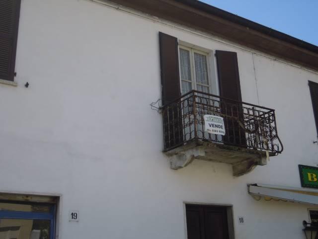 Soluzione Indipendente in vendita a Casteggio, 3 locali, prezzo € 68.000 | Cambio Casa.it