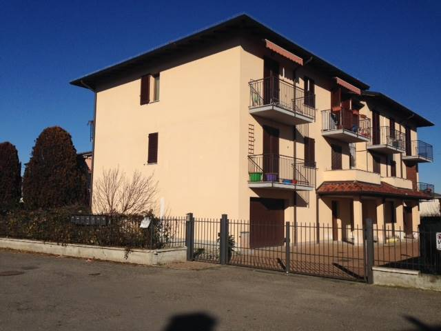 Appartamento in vendita a Albaredo Arnaboldi, 3 locali, prezzo € 80.000 | Cambio Casa.it