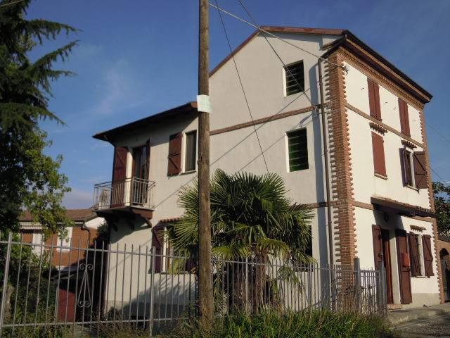 Soluzione Indipendente in vendita a Pietra de' Giorgi, 6 locali, prezzo € 150.000 | Cambio Casa.it