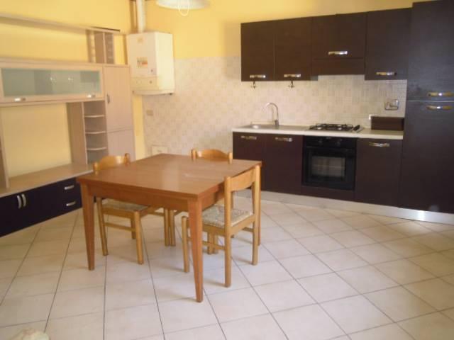 Appartamento in affitto a Montebello della Battaglia, 2 locali, prezzo € 300 | Cambio Casa.it