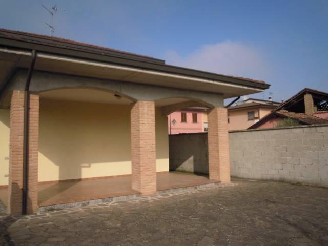 Soluzione Indipendente in affitto a Pinarolo Po, 6 locali, prezzo € 580 | Cambio Casa.it