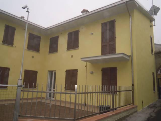 Appartamento in affitto a Casteggio, 2 locali, prezzo € 360 | Cambio Casa.it