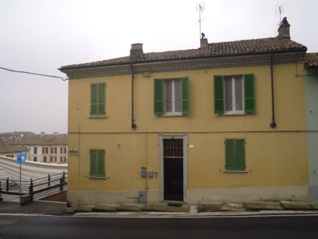 Appartamento in Affitto a Casteggio