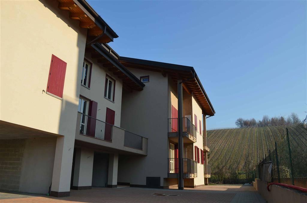 Appartamento in vendita a Casteggio, 3 locali, prezzo € 126.000 | Cambio Casa.it