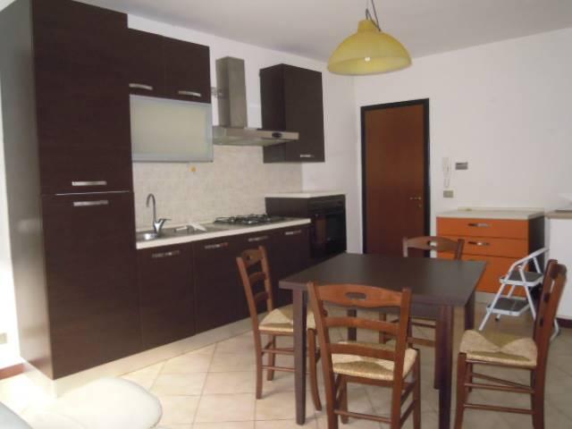 Appartamento in affitto a Casteggio, 2 locali, prezzo € 400 | Cambio Casa.it