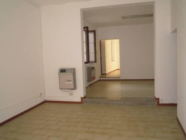 Negozio / Locale in affitto a Casteggio, 3 locali, prezzo € 450 | Cambio Casa.it