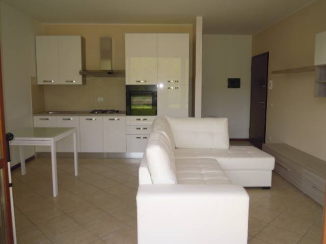 Appartamento in vendita a Casteggio, 3 locali, prezzo € 85.000 | Cambio Casa.it
