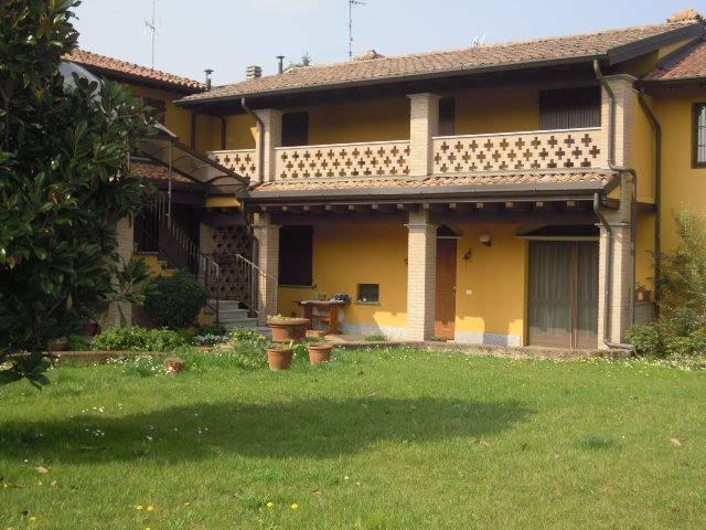 Soluzione Semindipendente in affitto a Bressana Bottarone, 3 locali, prezzo € 500   Cambio Casa.it