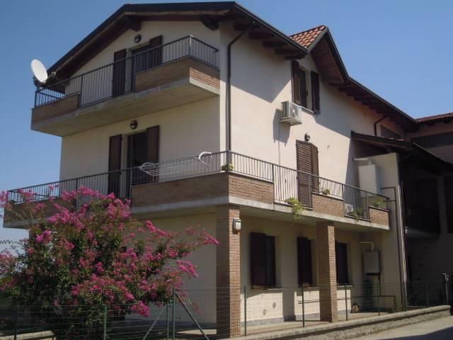 Appartamento in vendita a Lungavilla, 3 locali, prezzo € 160.000 | CambioCasa.it