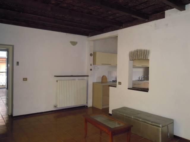 Appartamento in affitto a Casteggio, 3 locali, prezzo € 380 | CambioCasa.it