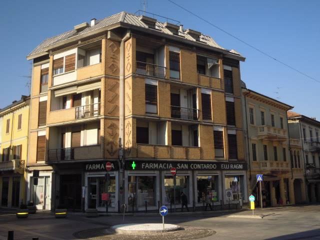 Appartamento in vendita a Broni, 8 locali, prezzo € 118.000 | CambioCasa.it