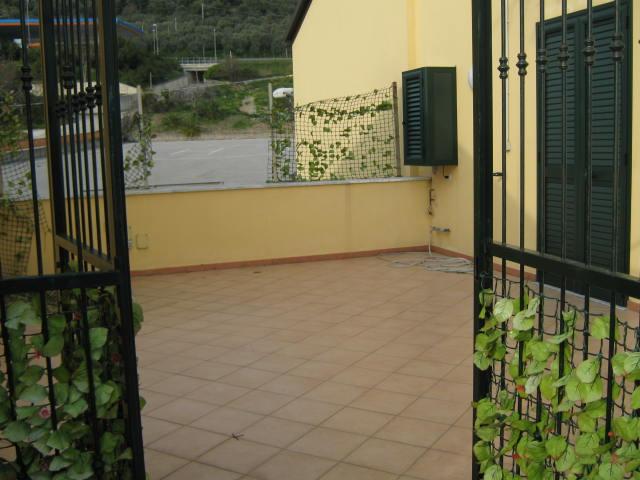 Appartamento in vendita a Salerno, 4 locali, zona Località: SAN LEONARDO, prezzo € 200.000 | Cambio Casa.it
