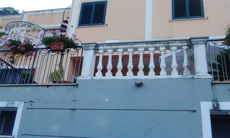 Villa in vendita a Salerno, 5 locali, zona Zona: Fratte, prezzo € 1.100.000 | Cambio Casa.it