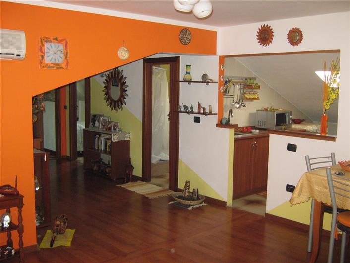 Appartamento in vendita a Montecorvino Pugliano, 3 locali, zona Località: PRATOLE, prezzo € 89.000 | Cambio Casa.it