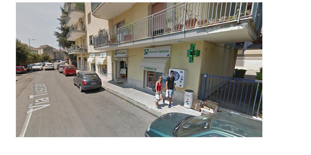 Negozio / Locale in affitto a Salerno, 1 locali, zona Zona: Mariconda, prezzo € 850   Cambio Casa.it
