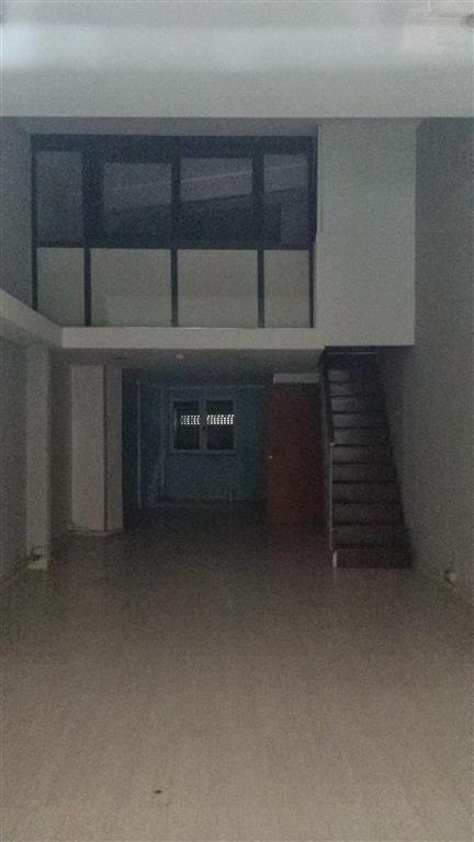 Negozio / Locale in affitto a Salerno, 1 locali, zona Zona: Pastena, prezzo € 950 | Cambio Casa.it