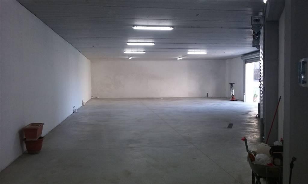 Box / Garage in affitto a Salerno, 1 locali, zona Località: SAN LEONARDO, prezzo € 1.200 | CambioCasa.it