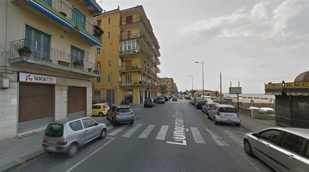 Negozio / Locale in affitto a Salerno, 9999 locali, zona Zona: Mercatello, prezzo € 950 | Cambio Casa.it