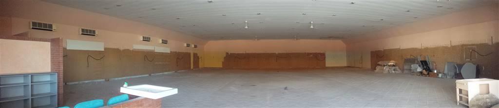 Capannone in affitto a Montecorvino Pugliano, 1000 locali, zona Località: PRATOLE, prezzo € 4.000 | CambioCasa.it