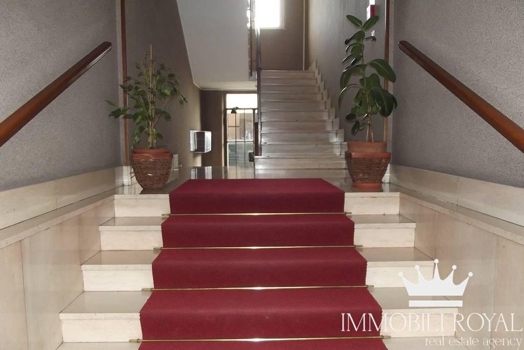 Appartamento in Vendita a Monza: 4 locali, 95 mq