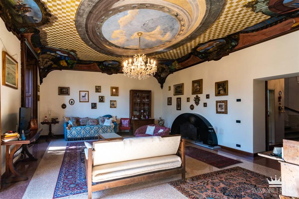 Villa-Villetta  in Vendita a Appiano Gentile