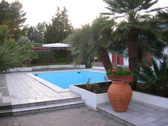 Villa in vendita a Misano Adriatico, 10 locali, prezzo € 1   CambioCasa.it