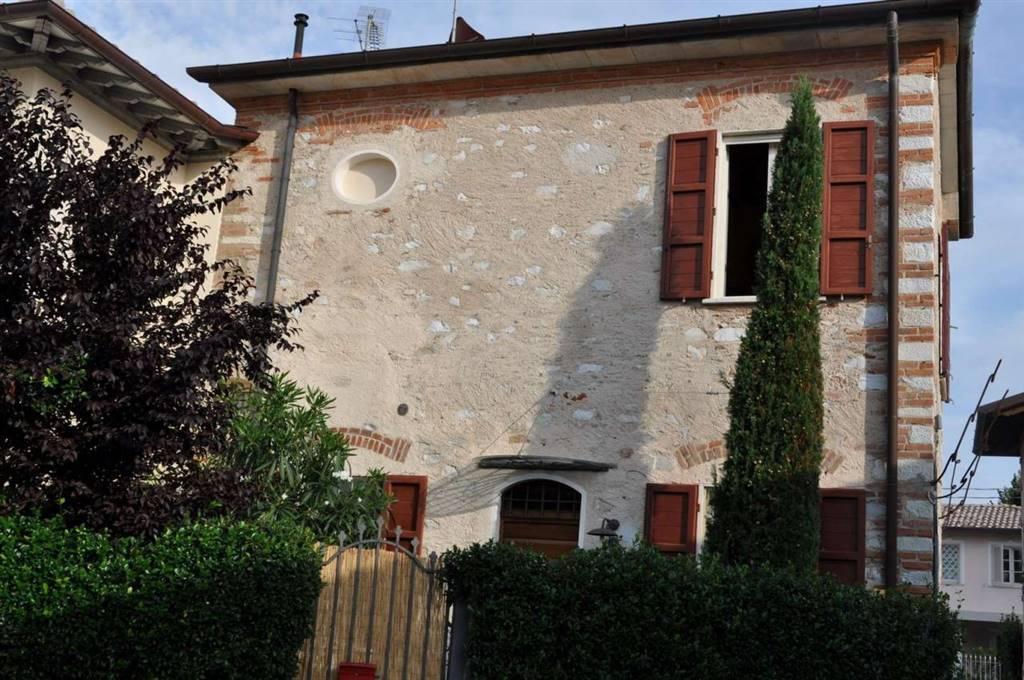 Soluzione Indipendente in vendita a Forte dei Marmi, 5 locali, zona Zona: Centro, prezzo € 850.000 | Cambio Casa.it