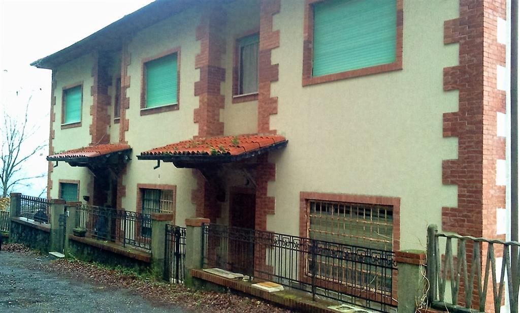 Villa in vendita a La Spezia, 10 locali, zona Zona: La Foce , prezzo € 1.000.000 | CambioCasa.it
