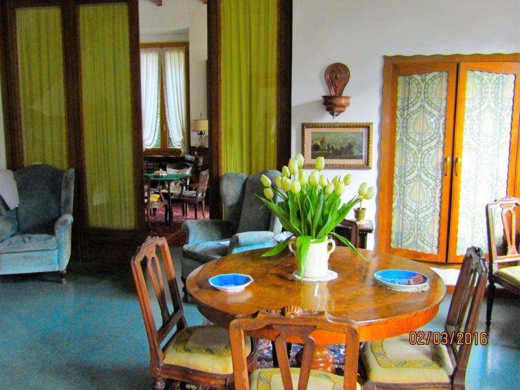 Villa in vendita a La Spezia, 10 locali, zona Zona: Colli/Vicci, Trattative riservate   Cambio Casa.it