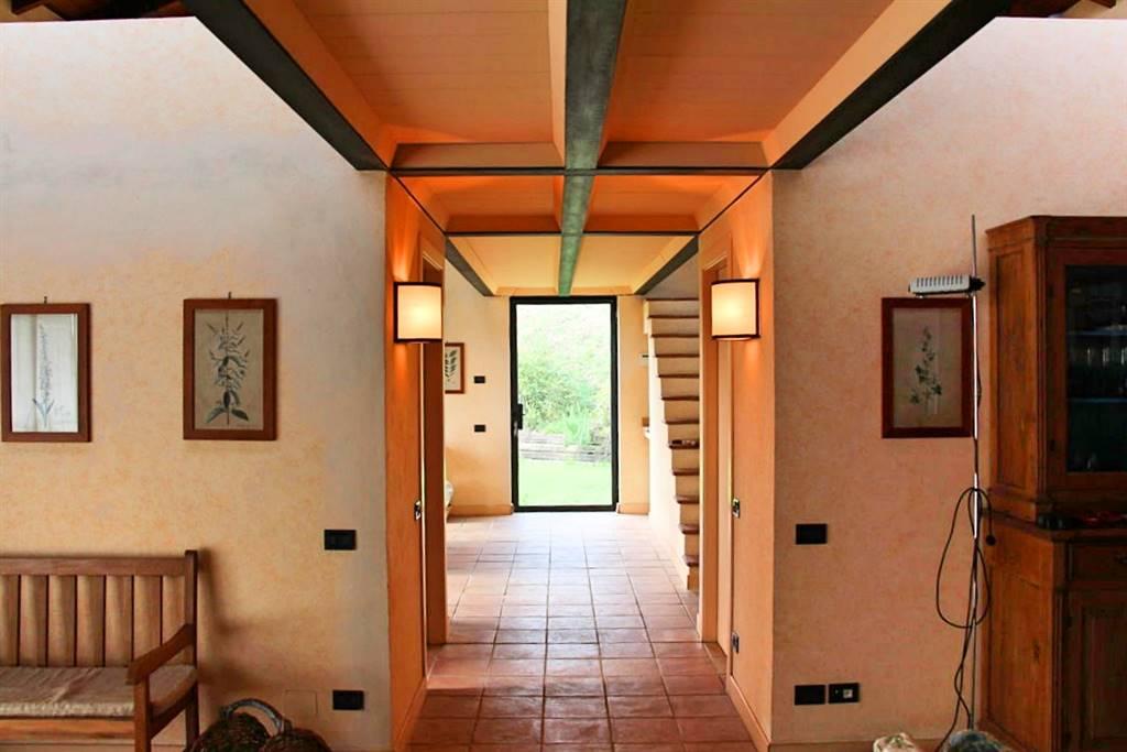Villa in vendita a La Spezia, 8 locali, zona Località: MARINASCO, prezzo € 560.000 | Cambio Casa.it