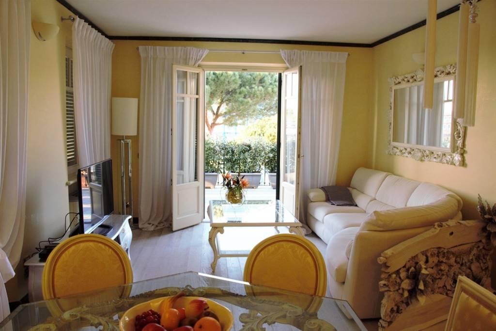 Attico / Mansarda in vendita a Pietrasanta, 5 locali, zona Zona: Marina di Pietrasanta, Trattative riservate | Cambio Casa.it