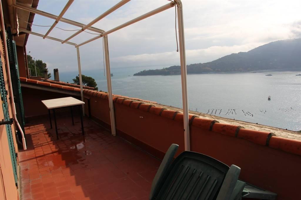 Villa in vendita a Portovenere, 6 locali, prezzo € 570.000 | CambioCasa.it