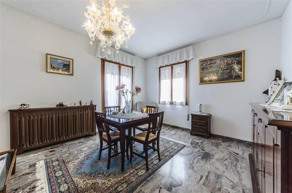 Soluzione Indipendente in vendita a Martellago, 7 locali, zona Zona: Olmo, prezzo € 268.000 | Cambio Casa.it